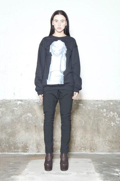 Txell Miras sweatshirt girl